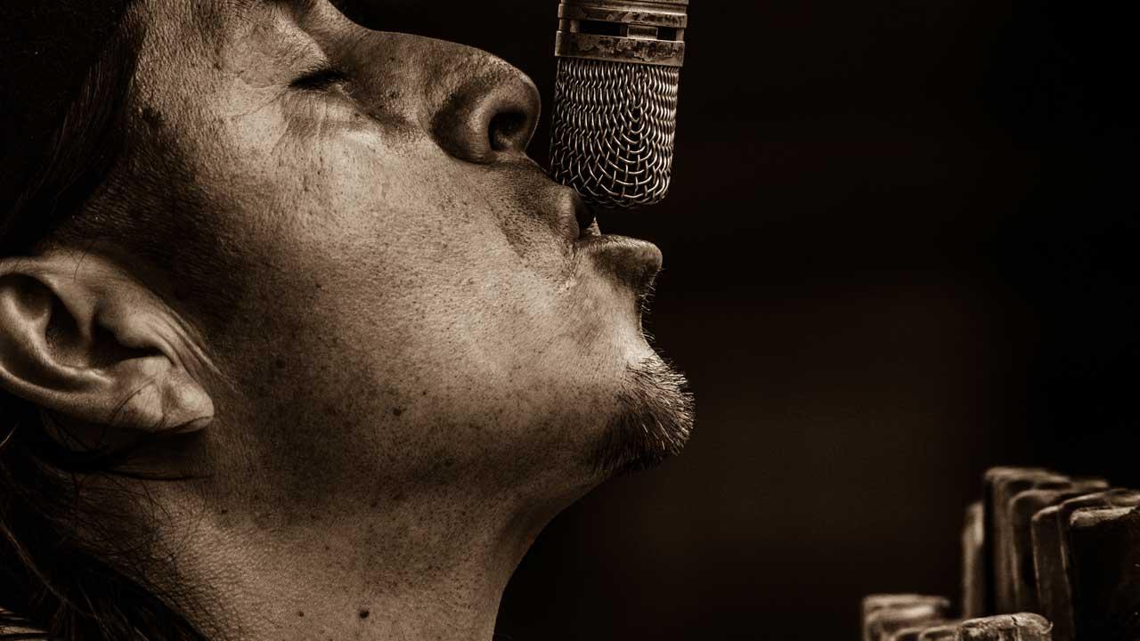 『録音しながら歌う』『録音したものを聴く』の繰り返し