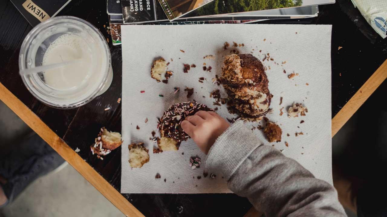 【保育士考案】子どもの食事に対する集中力をアップする【椅子・言葉・環境】